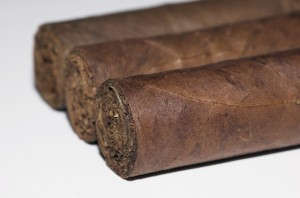 2583Cuban_cigar
